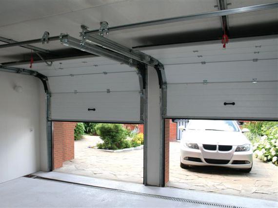гаражные секционые ворота